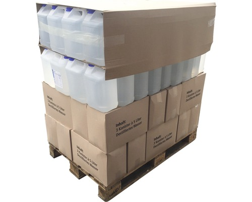 Palette d''eau distillée avec 144 bidons de 5 litres (720 litres) déminéralisée