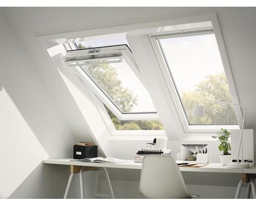 Fenêtre à ouverture par rotation VELUX GGU CK02 0062 ENERGIE ISOLATION PHONIQUE